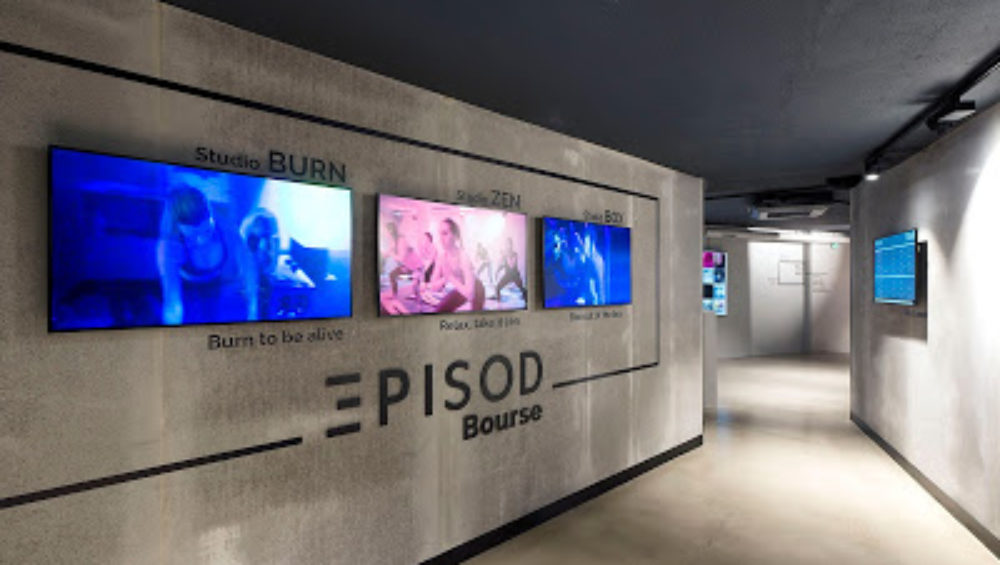 entrée de la salle de sport EPISOD avec écrans