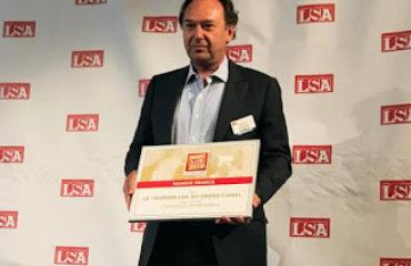 Michel Delville présente le trophée OTOP de LSA