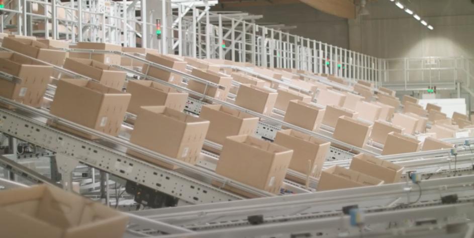 Comment La Redoute a réduit de moitié ses stocks d'emballages avec Flowlity.